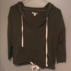American Eagle 3/4 sleeved pullover